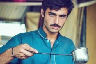 Vindea ceai in Pakistan, pana cand o poza cu el a creat isterie pe Instagram. Cum i s-a schimbat viata tanarului de 18 ani