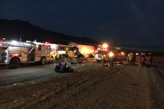 13 morti si 31 de raniti intr-un grav accident pe o autostrada din California. Un autocar s-a ciocnit cu un camion