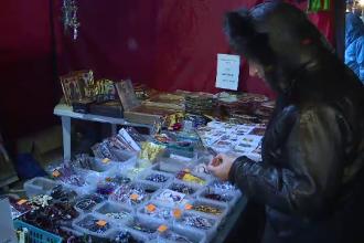 Cei 4.000 de pelerini veniti la Patriarhie nu i-au uitat pe comercianti.