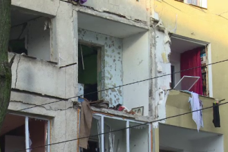 Tanarul care ar fi provocat explozia de la un bloc din Bistrita a murit. Expertii iau in calcul demolarea a doua etaje