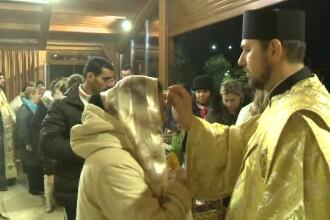 Mii de credinciosi continua sa vina la moastele Sfantul Dimitrie cel Nou: