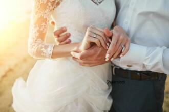 Un barbat a divortat de sotia sa dupa numai doua ore. Telefonul a dat-o de gol pe femeie