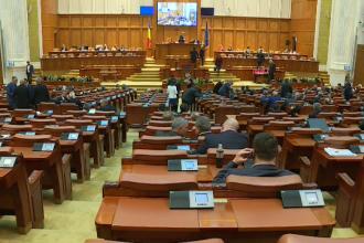 Legea care prevede eliminarea a 102 taxe, votata in unanimitate. Anuntul facut de catre premierul Dacian Ciolos