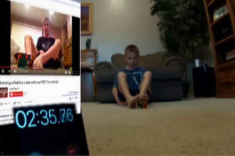 Un baiat de 12 ani are o metoda inedita de a rezolva cubul Rubik. In cat timp termina cand nu se foloseste de maini
