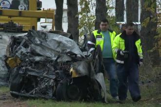 Doi barbati si doua femei au murit dupa ce masinile in care se aflau s-au ciocnit si au luat foc, in Giurgiu