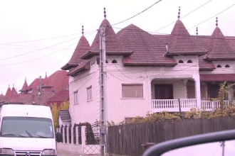 Tiganii din Strehaia amenintati cu sechestrul pe palate pentru datoriile la stat: