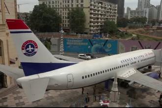 Un om de afaceri chinez a transformat un avion intr-un restaurant de lux. Cat a investit in aeronava si cat costa meniul