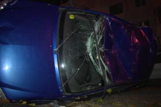 Cinci tineri raniti dupa impactul intre doua autoturisme, in Pitesti. Accidentul, provocat de un tanar de 18 ani