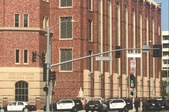 Posibil atac armat la o universitate din California. Poliția face cercetări