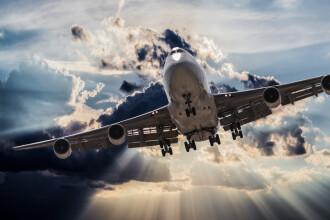 Încălzirea globală afectează zborurile cu avionul. Turbulenţele s-ar putea tripla