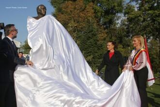 Statuia Prințului Rainier al III-lea din București, inaugurată de Prințesa Stephanie de Monaco