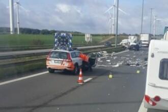 Opt români, implicați într-un accident grav, în Belgia. Trei sunt în stare gravă