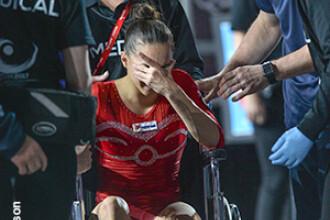 Zi grea pentru gimnastica românească. Larisa Iordache s-a accidentat, Cătălina Ponor a ratat calificarea