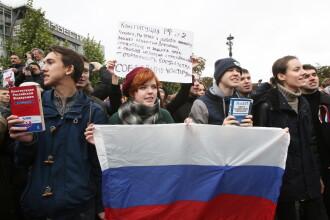"""Vladimir Putin, """"sărbătorit"""" de opozanți de ziua sa cu o manifestație în Moscova"""