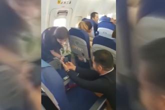 Cerere în căsătorie la 10.000 de metri altitudine, pe ruta Amsterdam-București. VIDEO