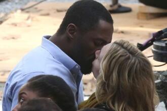 """Kate Winslet și Idris Elba, despre scena de sex din noul lor film: """"Mi-a spus că are un fetiş"""""""