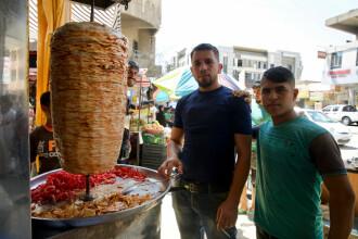 Viața după ISIS. Comercianții din Mosul își redeschid afacerile interzise de jihadiști