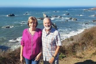 O femeie a murit în brațele soțului ei, în timp ce se ascundeau în piscină de incendiile din California
