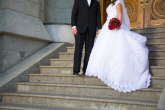 Motivul emoționant pentru care o femeie și-a tăiat rochia de mireasă
