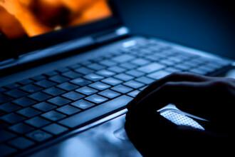 Un tânăr de 21 ani ar fi șantajat timp de 3 ani o adolescentă cu materiale pornografice