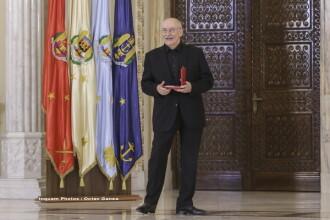 Actorul Victor Rebengiuc a fost decorat de Klaus Iohannis cu Ordinul Steaua României. VIDEO