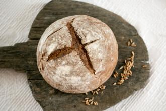 De ce pâinea nu îngraşă, de fapt. Medicii spun că poate preveni cancerul