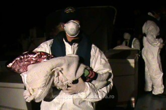 60 de refugiați, aflați pe o barcă gonflabilă, salvați de polițiștii români