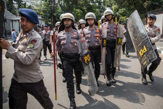 6 polițiști răniți, după ce s-a tras asupra lor, lângă o mină din Indonezia