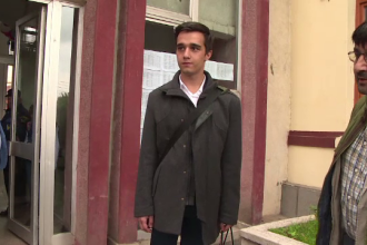 Un elev din Galaţi acuză conducerea liceului de lipsire de libertate. Regula impusă în şcoală