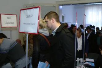 """Disperați, patronii din Timiș caută angajați în Serbia. """"Aş putea să trăiesc în România clar"""""""
