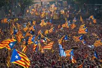 Premierul Rajoy a dizolvat Parlamentul catalan; alegeri anticipate regionale pe 21 decembrie. FILMUL evenimentelor din Spania