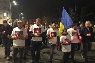 """Mii de oameni, la marșul organizat în memoria victimelor de la Colectiv: """"După 2 ani nu s-a schimbat mai nimic"""""""