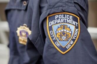 Doi polițiști arestați după ce au violat o tânără în duba de serviciu