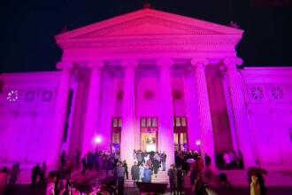 1 octombrie, Ziua Mondială de luptă împotriva cancerului la sân. Ateneul, colorat în roz