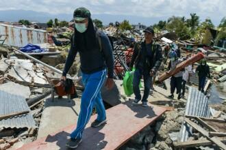 Morga din orașul indonezian Palu este plină până la refuz. Câteva localități sunt încă rupte de lume