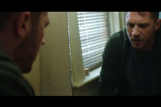 Tom Hardy, rol principal într-un film cu super-eroi. Fiul său l-a convins să accepte colaborarea