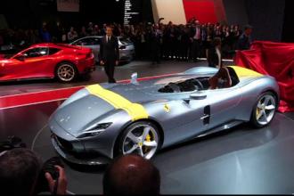 Salonul Auto de la Paris: Ferrari si-a prezentat modelele exclusiviste, adresate clienţilor fideli mărcii