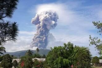 După cutremur şi tsunami, Indonezia e lovită şi de o erupţie vulcanică