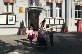 """Elena Băsescu: """"Nu poate vreun decident politic să ne spună că eu și copiii nu suntem o familie"""""""