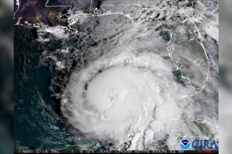 """Un uragan """"monstruos"""" va lovi Statele Unite. Stare de urgență în 35 de comitate"""