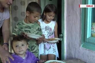 Roxana și frații ei au mâncat friptură după multă vreme. Donațiile primite de familie