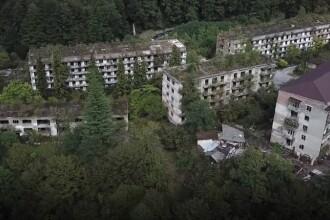 Orașul fantomă înghițit de natură. Din 5000 de locuitori au mai rămas 35. VIDEO