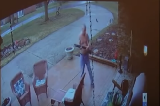 Un tânăr de culoare din SUA a fost atacat cu o pușcă, după ce a pus o întrebare. VIDEO
