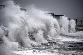 Furtuna Callum a ucis doi oameni în Marea Britanie. Un bărbat a fost luat de valuri