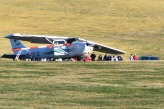 Trei morți, după ce un avion de mici dimensiuni s-a prăbușit peste un grup de oameni