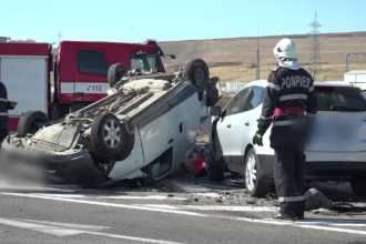 O mașină care se întorcea din pelerinajul de la SF. Parascheva, lovită în plin. Starea victimelor