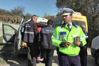 O fetiță a murit după ce s-a ascuns în spatele roții unei mașini