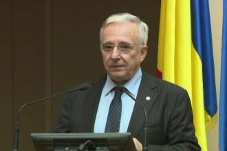 """Mugur Isărescu: Scăderea indicelui ROBOR nu are legătură cu """"taxa pe lăcomie"""""""