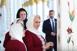 Premierul Dăncilă, nevoită să se îmbrace cu haine islamice în Arabia Saudită. VIDEO