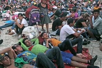 """Peste 7.000 de persoane, în """"caravana"""" migranţilor spre SUA. Reacția lui Trump"""